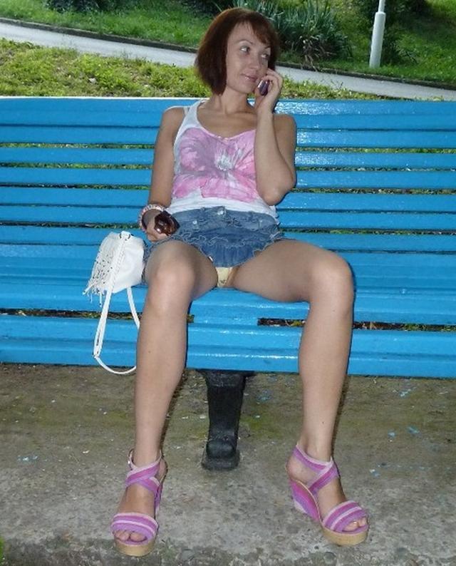 Брюнетка готова фотографировать свои сисяндры секс-фото