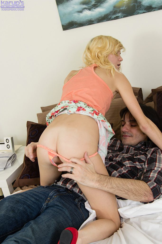 Chloe Foster наконец нашла нового парня, чтобы заниматься с ним грубым совокуплением